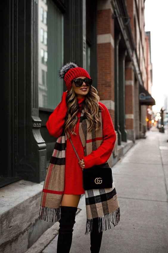 С чем носить красный свитер фото_5