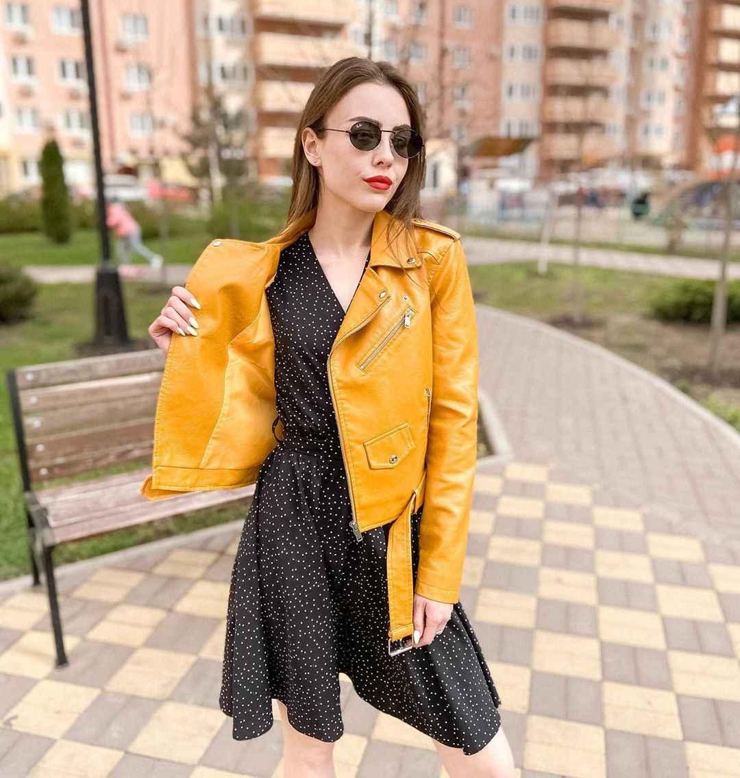 С чем носить желтую куртку фото_37