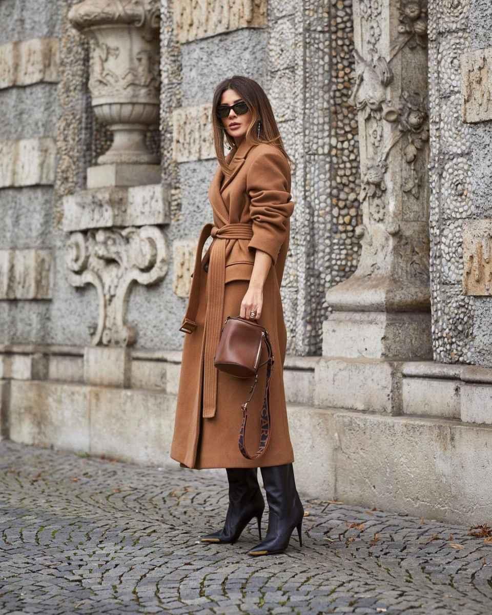 Модные фасоны пальто осень-зима 2020-2021 фото_28