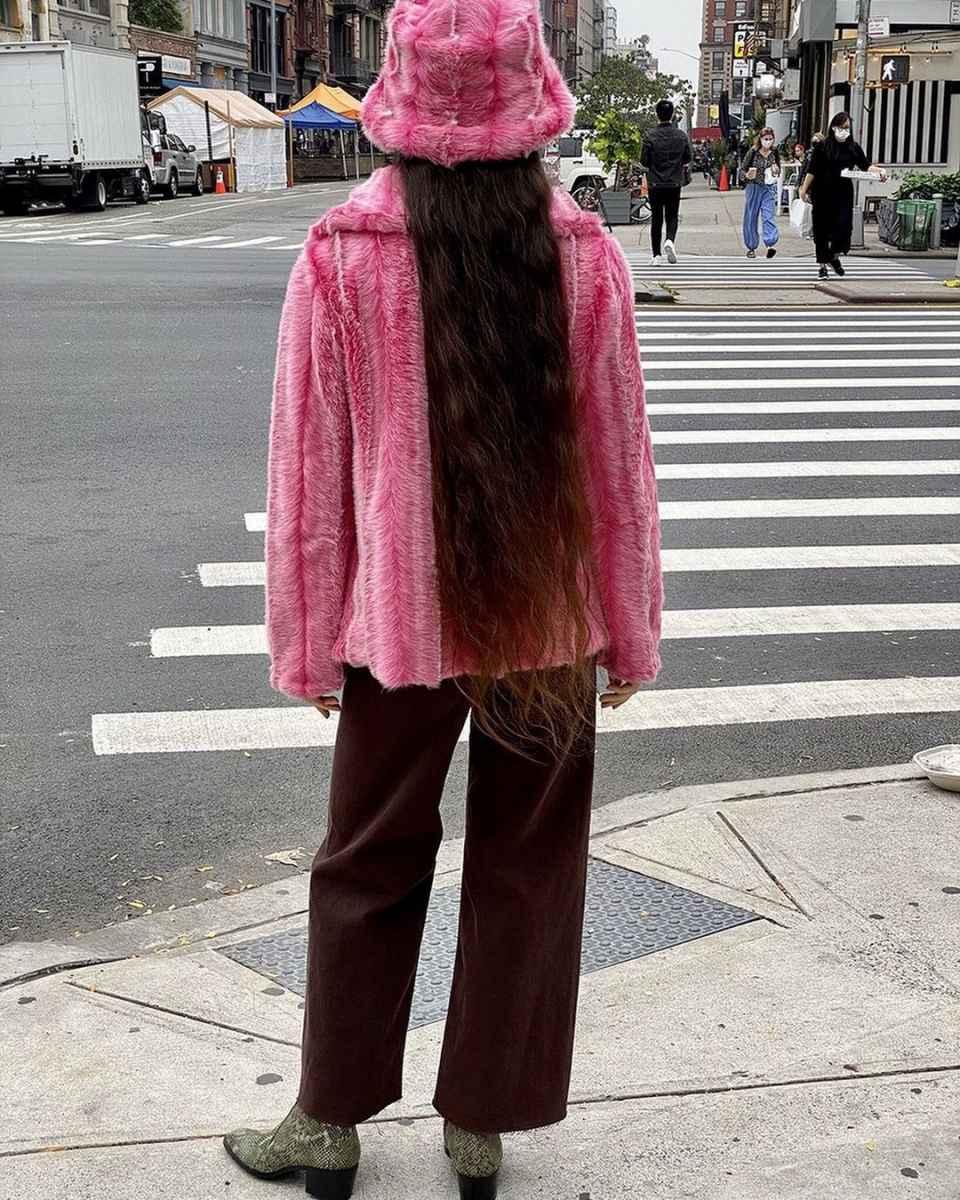 С чем носить панаму женскую осенью и зимой фото_15