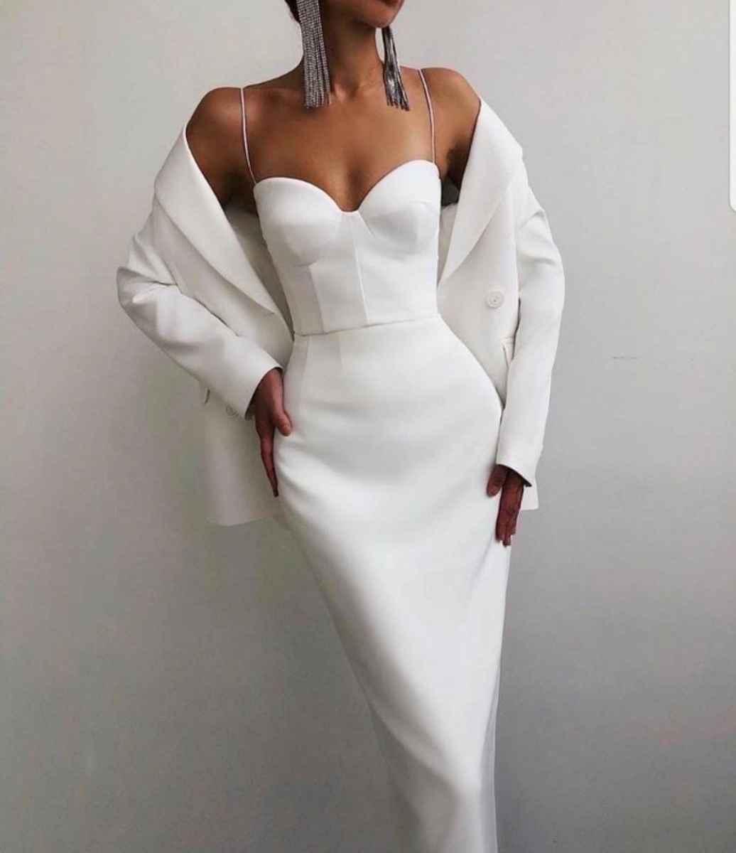 Модные белые платья для Нового Года 2021 фото_12