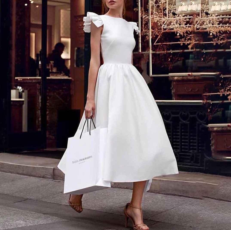 Модные белые платья для Нового Года 2021 фото_6