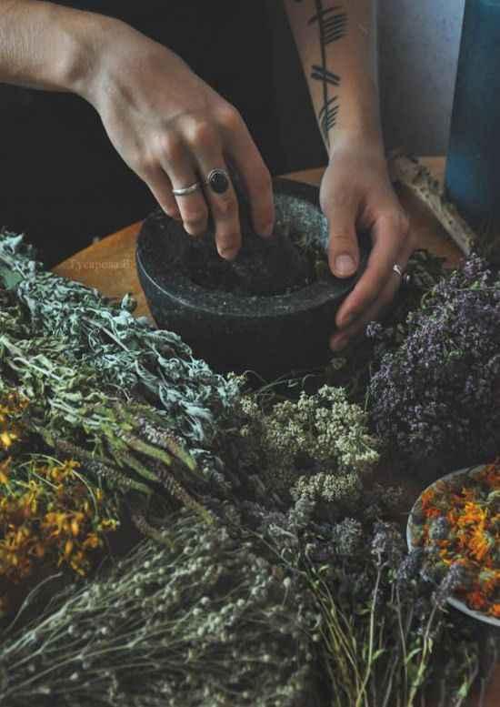 5 простых заклинаний для начинающих ведьм: любовь, защита, успех и многое другое