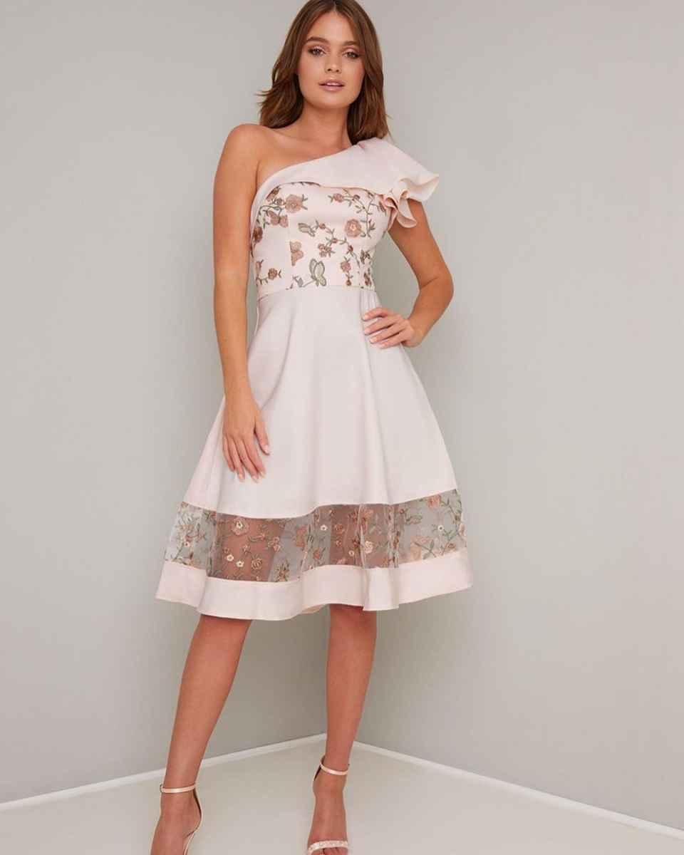 Вечерние платья на свадьбу для девушек 30 лет фото_11