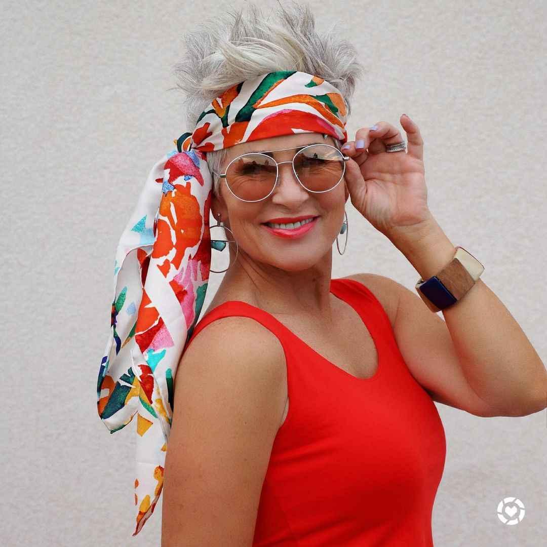 Модные солнцезащитные очки 2021-2022 для женщин после 40 фото_24