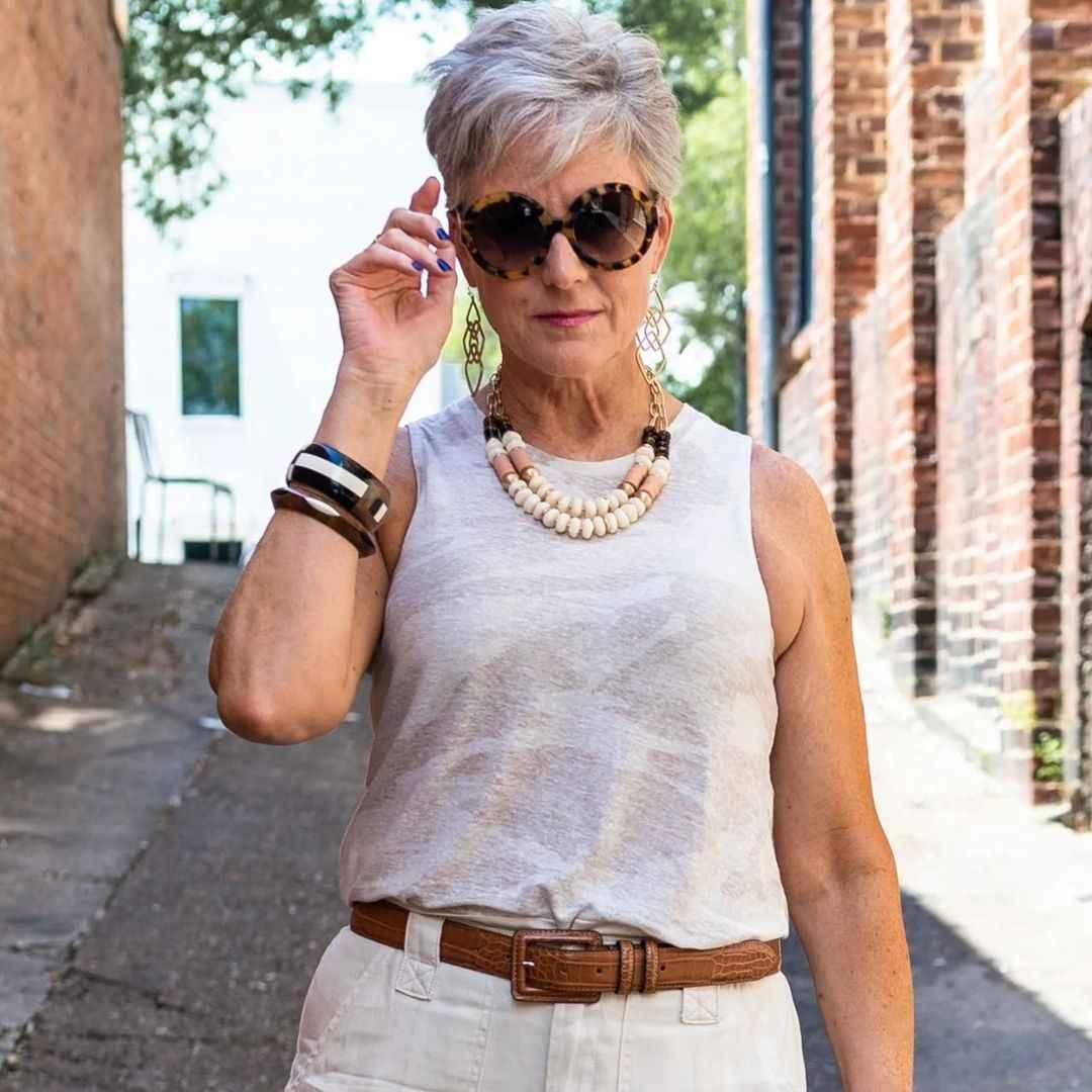 Модные солнцезащитные очки 2021-2022 для женщин после 40 фото_25