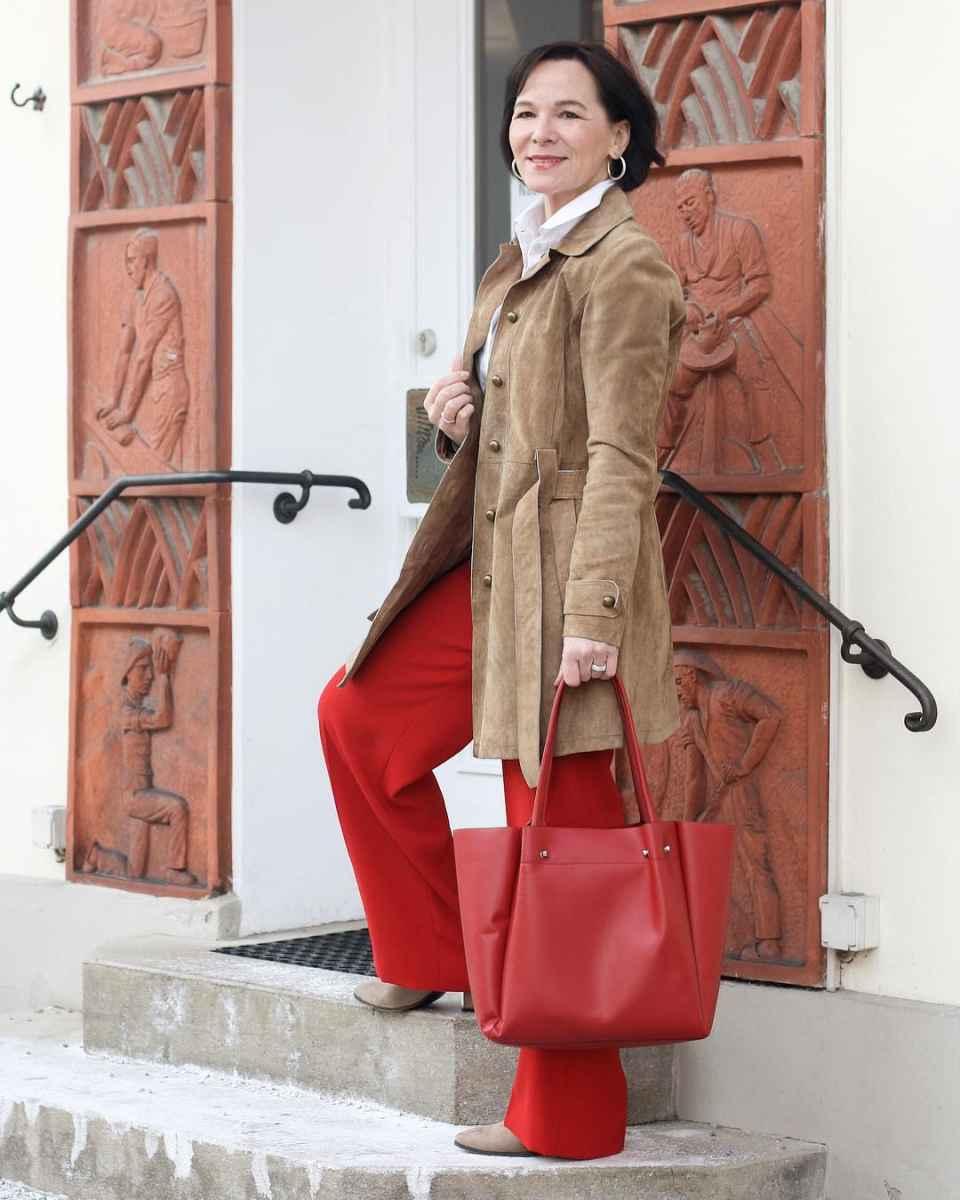 С чем носить брюки палаццо осенью и зимой 2021-2022 фото_3